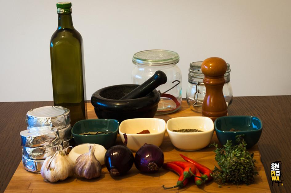 Produkty do przygotowania naszych domowych nakládaných hermelínów.