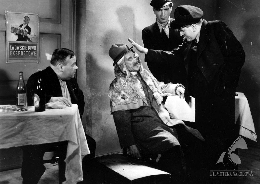 Ludzie Wisły, 1938. Reklama Lwowskiego Piwa Eksportowego izakapslowana butelka Haberbusch iSchiele. Źródło: fototeka.fn.org.pl