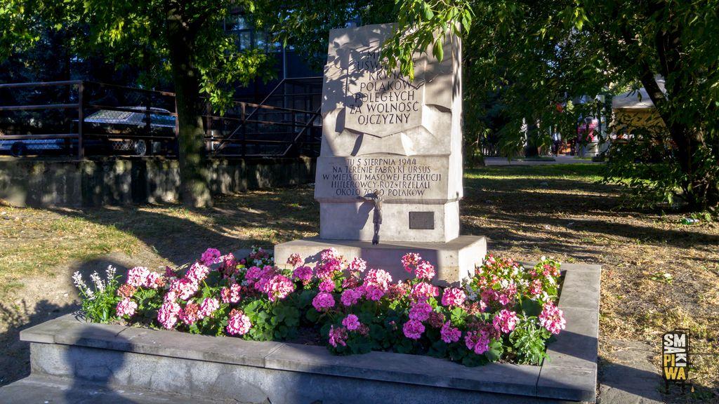 Pomnik upamiętniający 7000 ofiar masowej egzekucji naWoli
