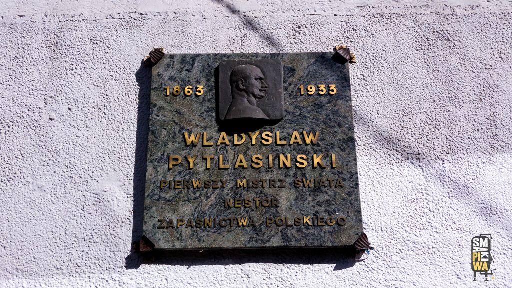 Tablica upamiętniająca Władysława Pytlasińskiego, ojca polskich zapasów