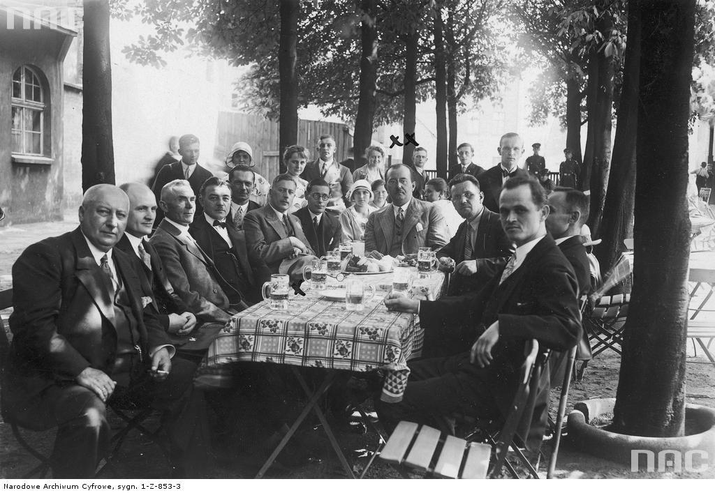 IV zjazd polskich Związków Śpiewaczych naŚląsku Opolskim wBytomiu, 1930 rok. Źródło: Narodowe Archiwum Cyfrowe / nac.gov.pl