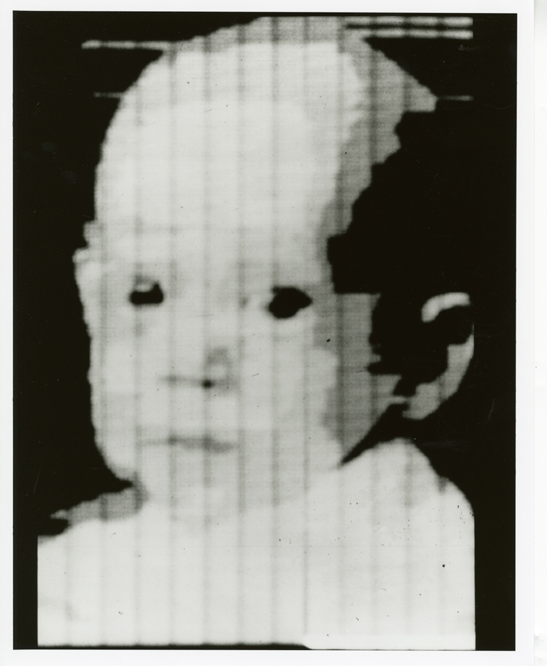 Russell Kirsch, pierwsze zdjęcie cyfrowe, 1957 rok. Źródło: wikipedia.org