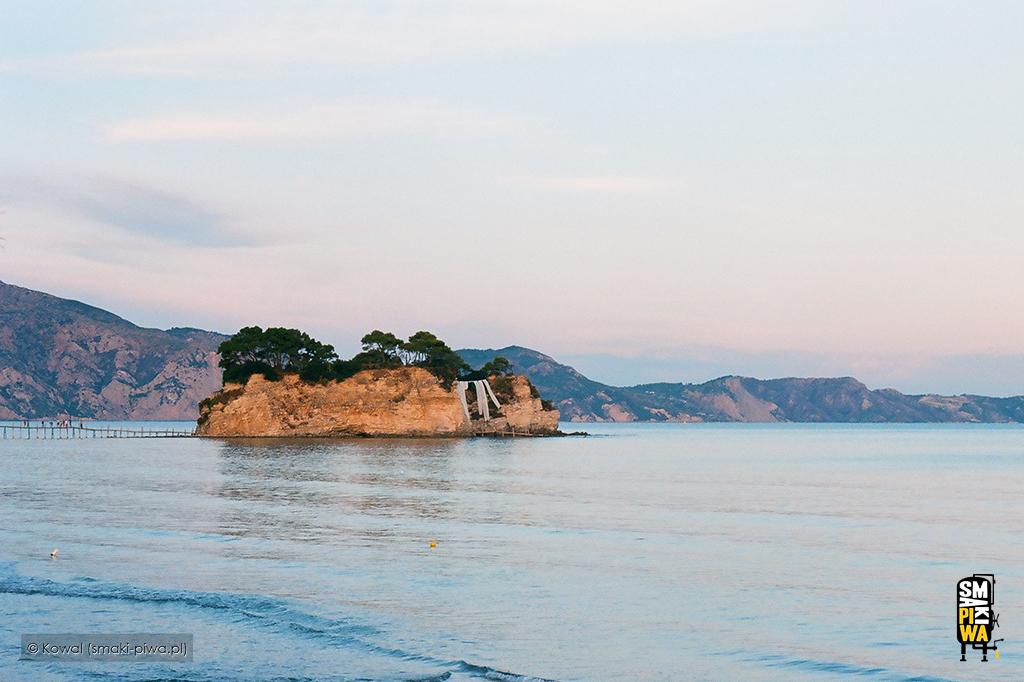 Wyspa Agios Sostis zwana jest również Cameo Island. Fotografia analogowa.