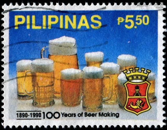 100 lat produkcji piwa. Filipiny 1990. (źródło: stampcommunity.org)